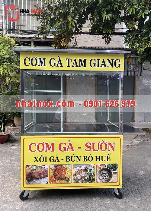 Xe bán cơm bún bò huế